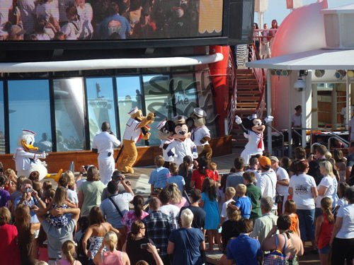 cruisedeckparty2