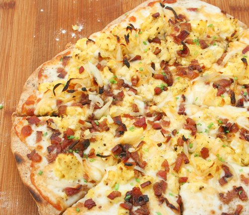 breakfast pizza :: wolfgang puck express copycat |