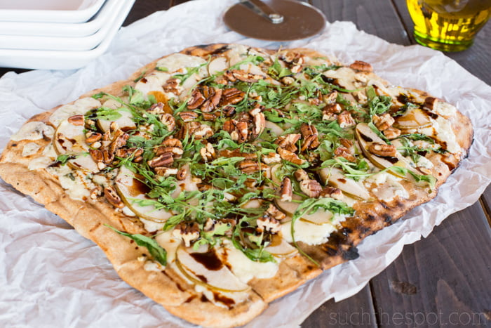 Pear, pecan & blue cheese flatbread1-1