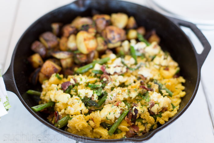 Asparagus scramble with bacon & goat cheese | Such the Spot